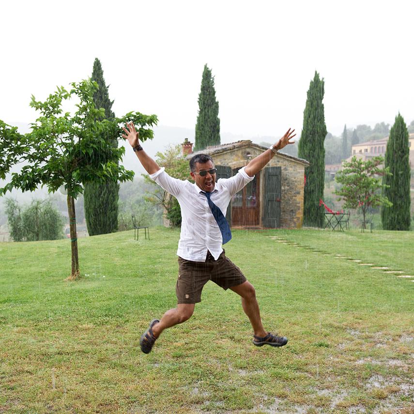 Rick in de regen in Toscane